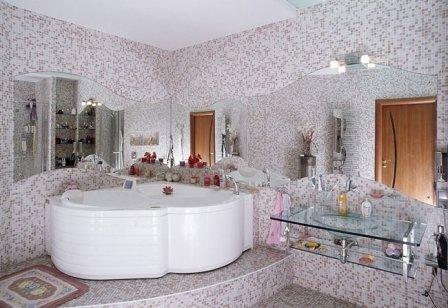 Уход за мозаикой в ванной
