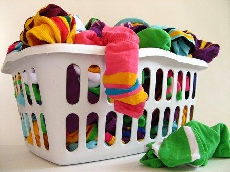 Корзины для белья в ванную комнату пластиковые