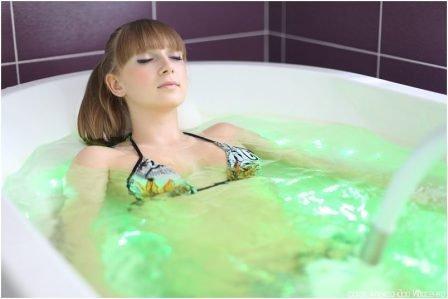 Как правильно принимать хвойно-жемчужные ванны?