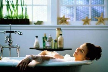 После трудного рабочего дня рекомендована успокаивающая ванна