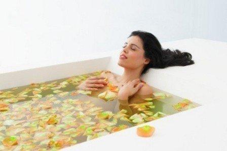 В наборе специальных водных процедур имеются и специальные лечебные ванны