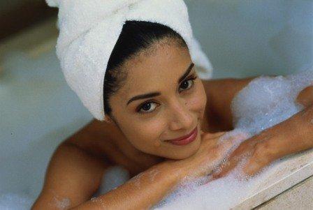 В домашних условиях проще всего приготовить себе ванну с пеной