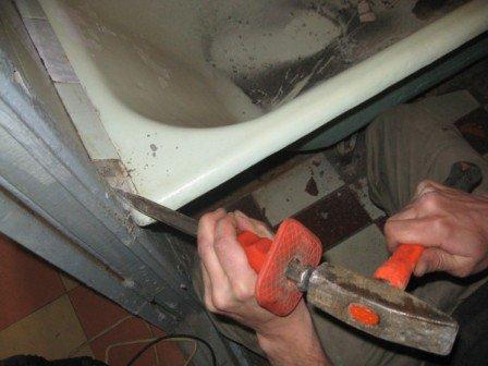 Как происходит демонтаж старой ванны, что для этого нежуно?