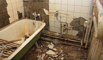 Демонтаж акриловой ванны своими руками, сбор и вывоз