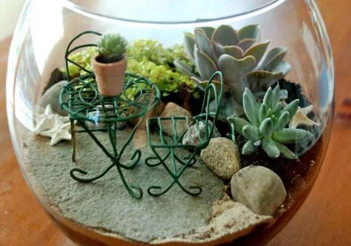 Оригинальный декор мини-сада