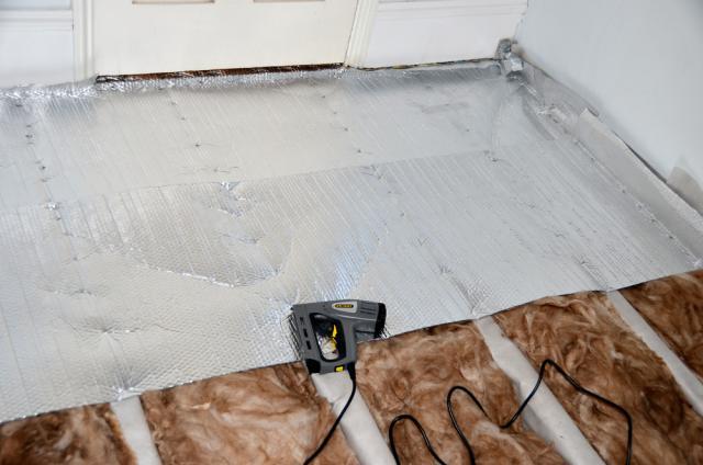 Минеральная вата, несмотря на эффективность, в ванной комнате может себя не оправдать