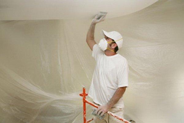 побелка потолка на кухне