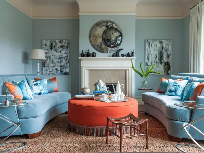 Оранжево-голубая гостиная