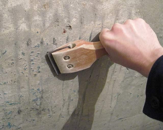 Очистка стены от краски