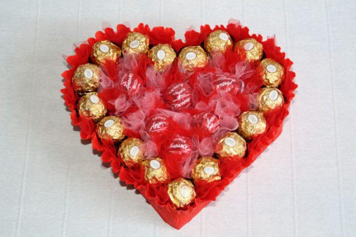 сладкий подарок на 14 февраля своими руками