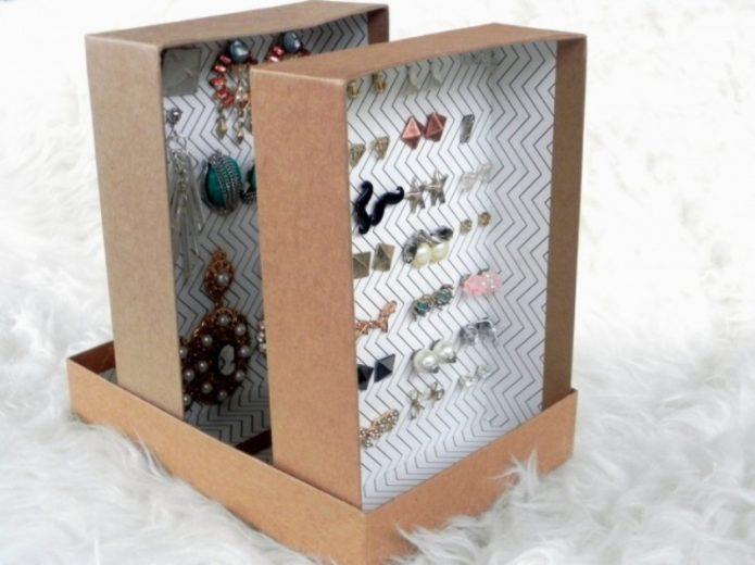 Органайзер для бижутерии из коробки от конфет