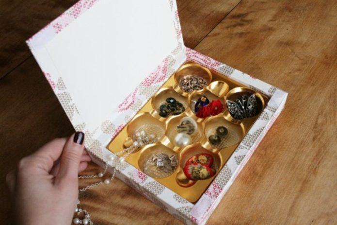 Органайзер для мелочей из коробки от конфет