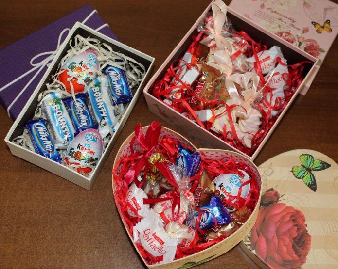 Варианты подарочных коробочек со сладостями